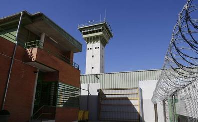 Tres años de cárcel y medio millón de euros de indemnización para el preso que dejó inválido a otro en Palencia
