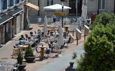 Los hosteleros temen que la ordenanza de terrazas provoque la pérdida de más de 875 empleos