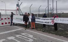 130 kilómetros hasta Burgos para exigir a Maxam que deje de fabricar armas