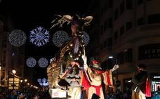 Una cabalgata cargada de regalos para la Noche de Reyes