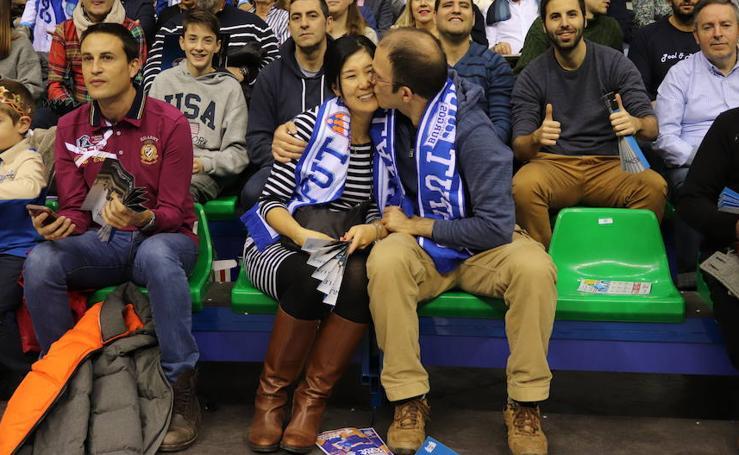 Encuéntrate en las fotografías del partido entre el San Pablo Burgos y Barça Lassa