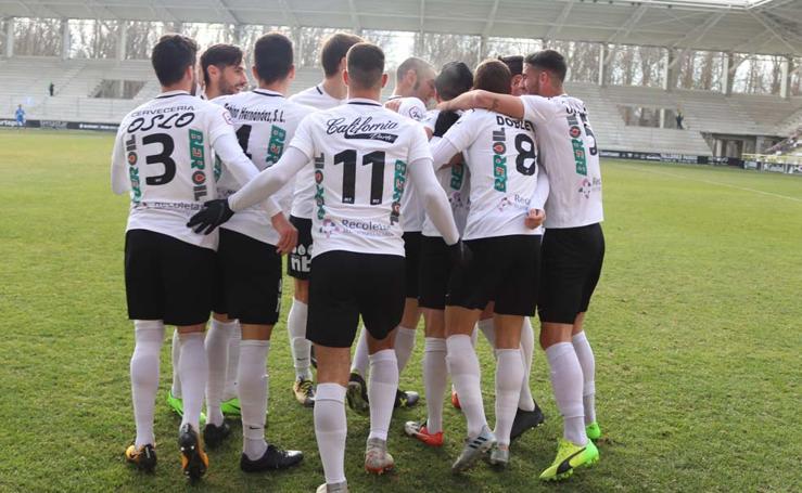 Imágenes del encuentro entre el Burgos CF y el CF Fuenlabrada