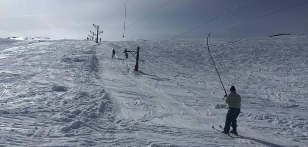 Lunada, a la espera de una nevada que remonte la temporada