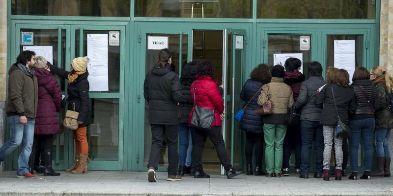 El juzgado da la razón a la Junta en la anulación del polémico examen de personal de servicios