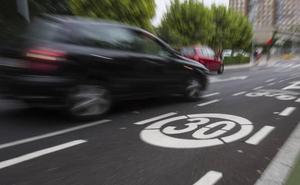 La Junta propone plataformas web para compartir coche y reducir a 30 la velocidad en las ciudades