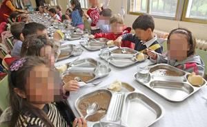 Los exámenes del menú de Toral de los Vados no localiza «gusanos» y sí restos de perejil
