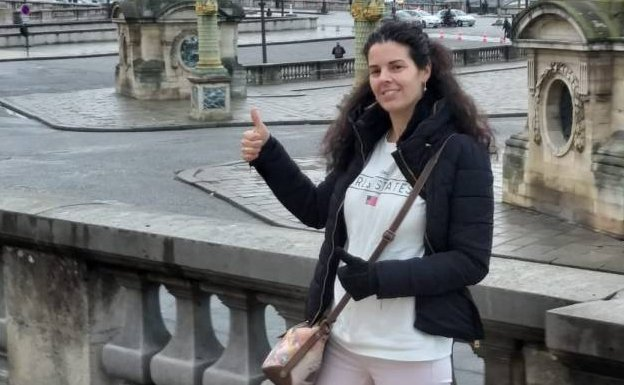 La turista española fallecida en París estaba en un viaje sorpresa  organizado por su marido  7499d9a3d8f8
