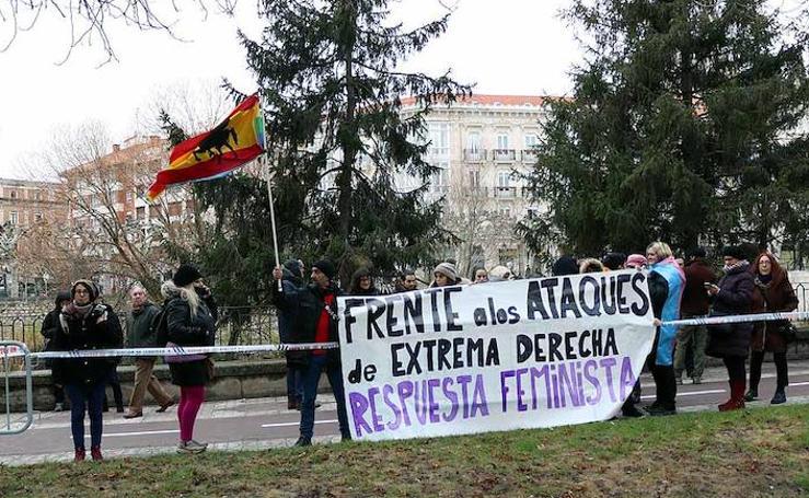 Protestas antes del acto de Vox en Burgos