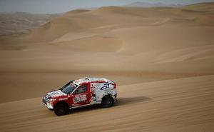 Cristina Gutiérrez vuela en las dunas de Tanaka