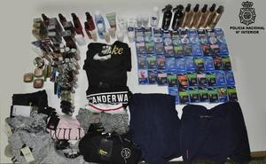 Detienen a cuatro personas en Burgos como presuntos autores de hurto de prendas de vestir y artículos de cosmética