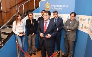 Mañueco destaca la «experiencia» de Lacalle como candidato a la Alcaldía