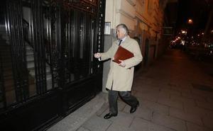 Anticorrupción pone cerco al chófer de Bárcenas tras declarar ante el juez