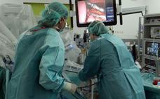 La lista de espera quirúrgica en el HUBU se reduce de 69 a 61 días, según la Junta