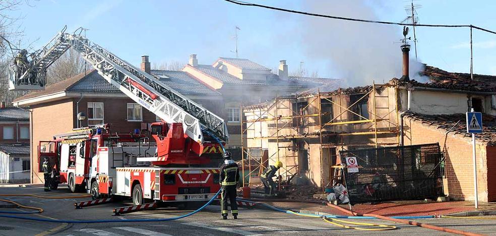 Actualización: Arde una vivienda en obras en el barrio de La Ventilla
