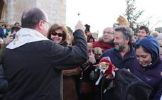 La bendiciónde San Antón a los animales, con dos grandes ausencias