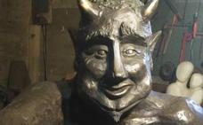 Vox cree que el diablillo puede asustar a las niñas de las Concepcionistas por su «ciruelo»