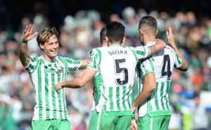 El Betis gana con un gol de penalti de Canales en el descuento