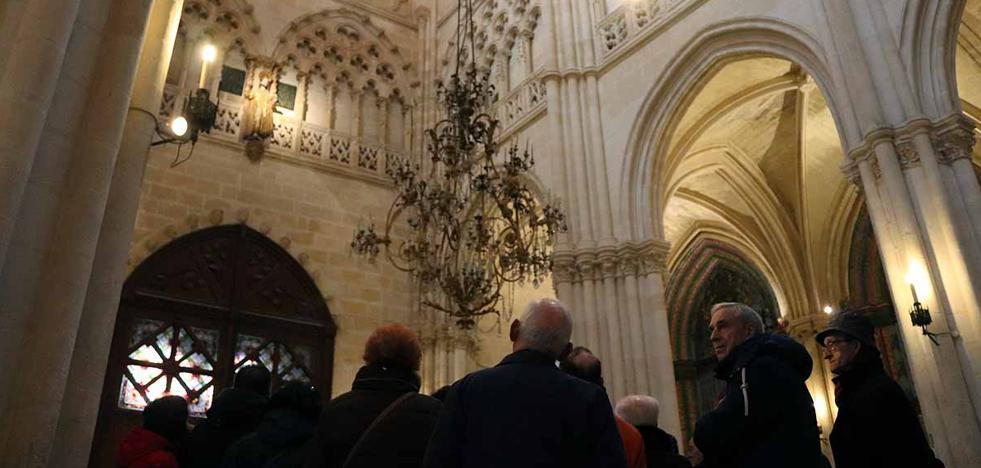 Los vecinos de Gamonal descubren los secretos de la Catedral gracias a Santiago
