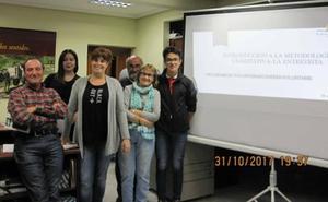 Voluntarios promueven el programa 'Te enseño mi pueblo' en la Ribera