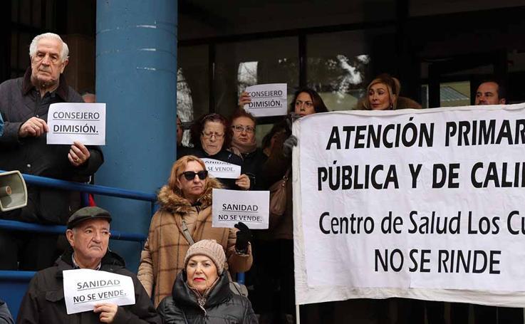 Los vecinos de Los Cubos vuelven a exigir una sanidad digna y de calidad