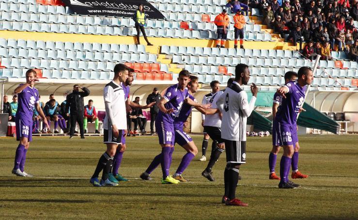 Imágenes del encuentro del encuentro entre el Burgos CF y el Salamanca CF UDS