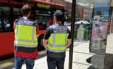 Detenido un hombre de 70 años por restregar sus partes íntimas contra las denunciantes en los autobuses urbanos de Burgos