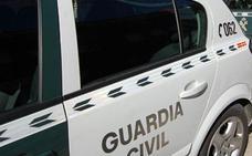 Dos detenidos en La Bureba por asaltar y amenazar a una mujer en plena calle