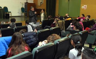 Miembros de la Fundación Conde Fernán Armentález denuncian el acoso que sufren las personas con discapacidad desde la etapa escolar