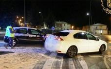 Las bajas temperaturas hacen de la nieve un problema en las carreteras de Burgos