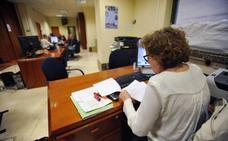 Las mujeres ganan 1.725 empleos públicos en cinco años en Castilla y León