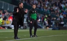 Simeone elude la polémica arbitral y dice que el Betis es «justo vencedor»