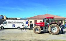Los vehículos agrícolas que circulen a más de 40 pasarán la primera ITV a los cuatro años