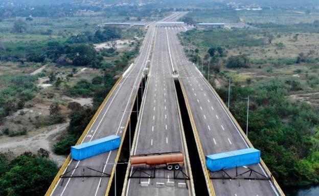 Image result for guaido en el puente