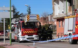 El edificio afectado por la explosión, destinado a pisos tutelados, no tiene daños estructurales