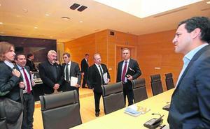 La comisión eólica morirá con la legislatura, con la investigación atascada y sin resultado