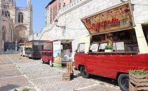 El PSOE propone regular la instalación de 'gastronetas' en la vía pública