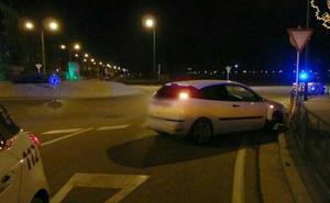 Un conductor, sin permiso, da positivo tras sufrir un accidente en la avenida Castilla y León