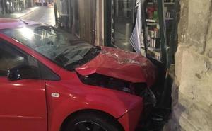 Da positivo después de empotrar su coche con el escaparate de un comercio en Valladolid