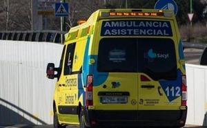 Herido un motorista en una colisión con un turismo frente al Centro Comercial Camino de la Plata