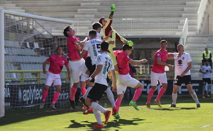 Las mejores imágenes del enfrentamiento entre el Burgos CF y UD Sanse
