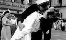Fallece el marino protagonista de la famosa foto del beso en Times Square