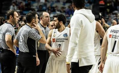 Reyes y Campazzo, multados con 1.000 euros por atacar a los árbitros de la final