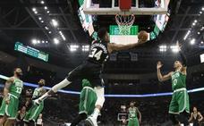 Los Bucks ganan el duelo a los Celtics, LeBron puede con Harden y Curry salva a los Warriors