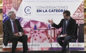 Javier Sierra reflexiona sobre los símbolos y secretos de las catedrales en Burgos