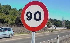 Multado por circular drogado y a 197 por hora por una vía limitada a 90 en Aldeamayor