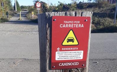El Camino del Cid incorpora carteles de advertencia para senderistas en carreteras
