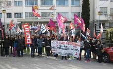Los sindicatos solicitan 11 plazas de auxiliares para la Residencia mixta de Cortes