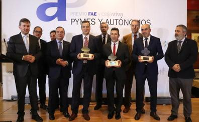 La patronal reconoce la trayectoria de Plaseuro, Casimiro Canónico Santos y Montes Design