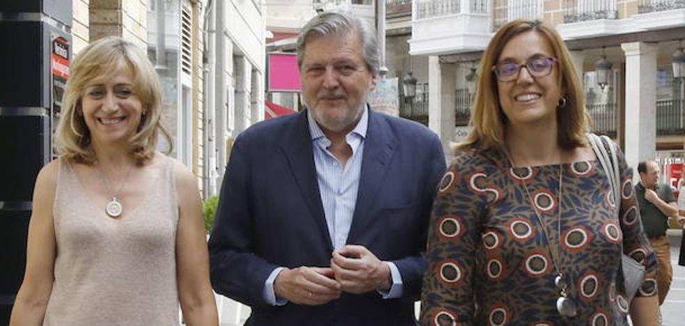 El exministro Íñigo Méndez de Vigo anuncia en Palencia su retirada de la política activa