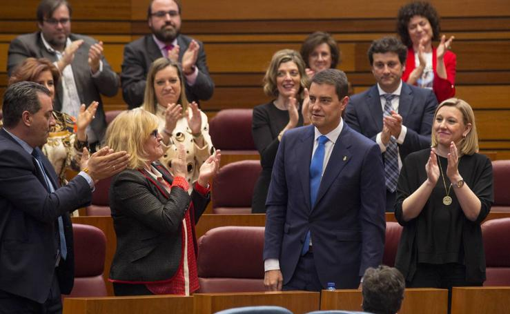 Toma de posesión del nuevo presidente de las Cortes, Ángel Ibáñez